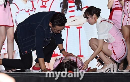 韩女团金沙国际娱乐网址成员王琳台上瘫软晕倒 2 个月后查出患肾病