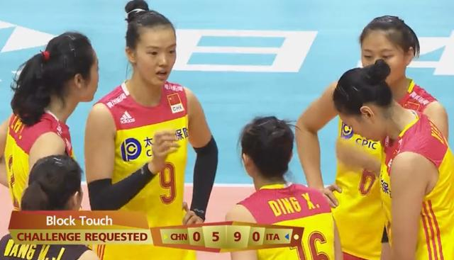 发挥最差的首发球员!1场比赛被换3次,中国女排主攻手让郎平失望