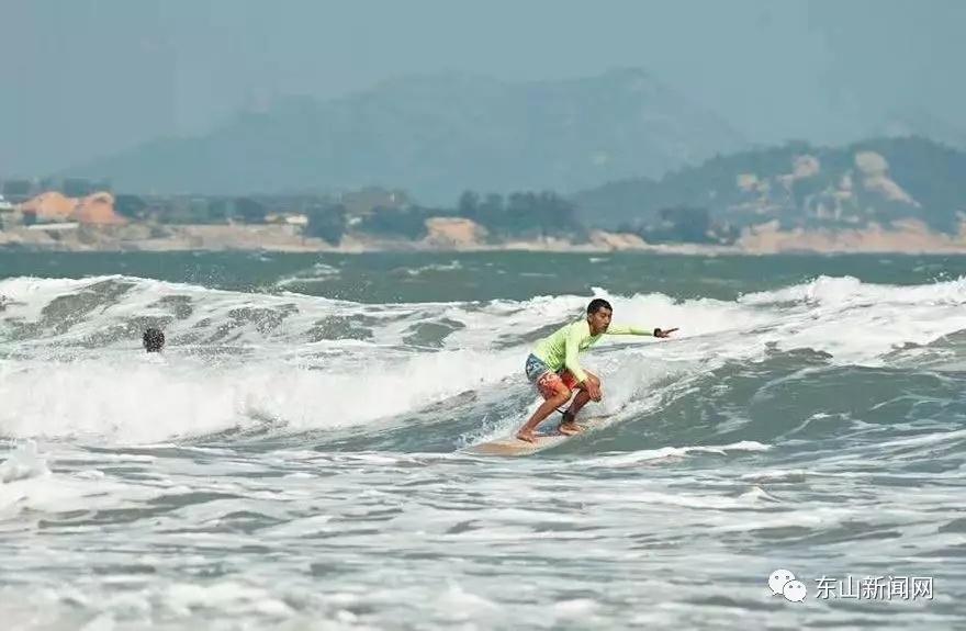东山岛2018年首届长板冲浪全国邀请赛正式开赛