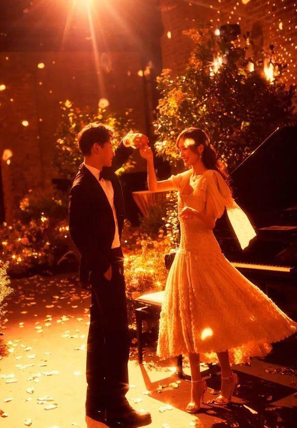 唐嫣羅晉甜蜜宣布結婚:新郎是我 新娘是我