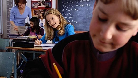 """美国孩子也要""""补习""""英语 公立学校言语领导人数增多"""