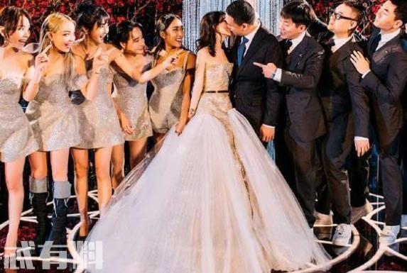 李嘉格婚礼现场曝光 李嘉格老公是谁女儿正面照