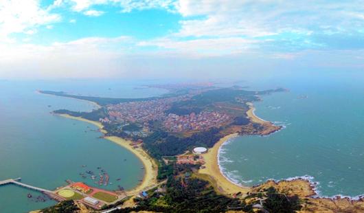 冬日湄洲岛:碧海银滩风光美