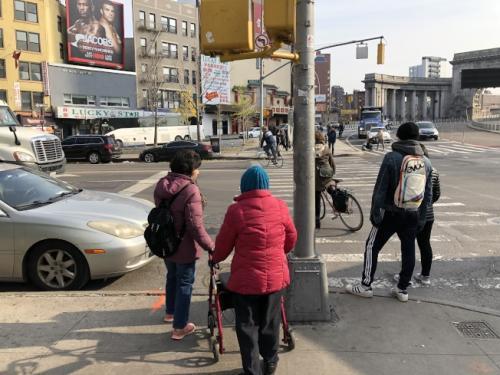 华媒:纽约移民老年人易患心理疾病 75%缺乏照顾
