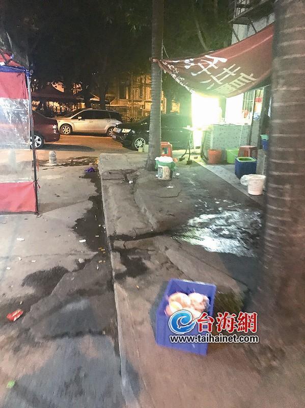 """厦门仙岳路小区干道竟成烧烤""""一条街""""!"""