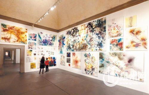 泉州籍著名艺术家蔡国强的个展《花曲》在意大利开展