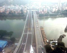 福州閩江上三代洪山橋同框成景