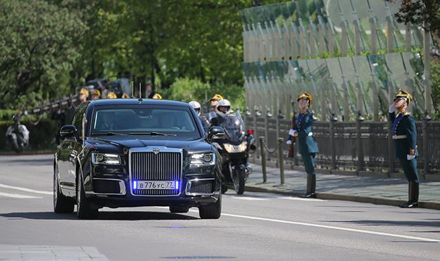 """普京""""带""""本土豪车赴G20峰会轰动全场"""