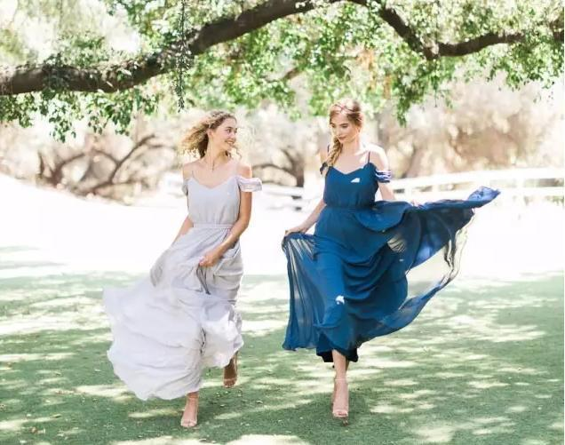 仙气统统的蓝色伴娘服 为婚礼添亮点