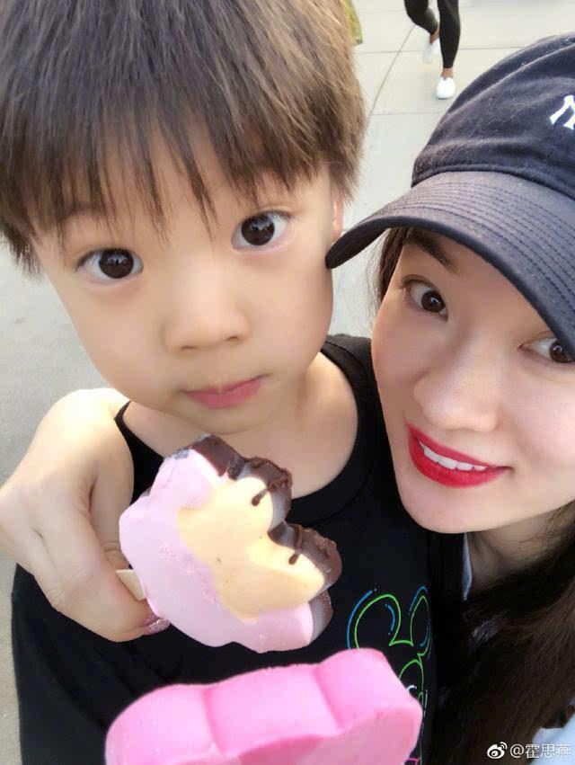 嗯哼八岁要娶妈妈,遭杜江霸气呛声,可重点是他6岁就想买手机