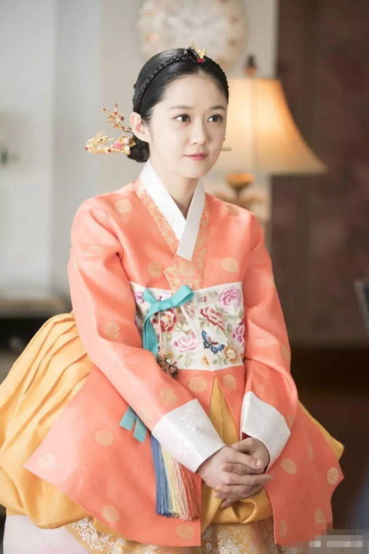 皇后的品格吴珊妮结局是什么,吴珊妮喜欢皇帝吗两人最后在一起了吗