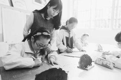 南平松溪县:外乡特征文明引退学校艺术教诲讲堂