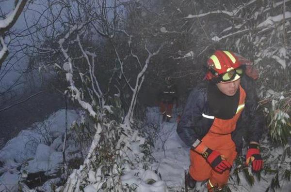 杭州2名驴友结伴去安吉赏雪已失联4天,曾掉臂劝止对峙上山