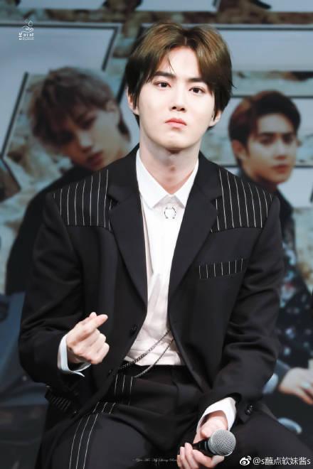 张艺兴重新关注EXO队长怎么回事,张艺兴Ins取关exo队长原因揭秘