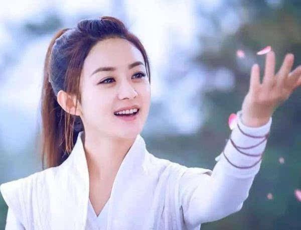 赵丽颖赤脚踹金瀚,谁细致到金瀚的活动?网友:别虐了好吗?