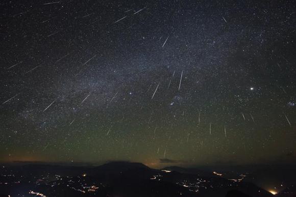 年度压轴天象来了 双子座流星雨在哪看怎样看几点看最好