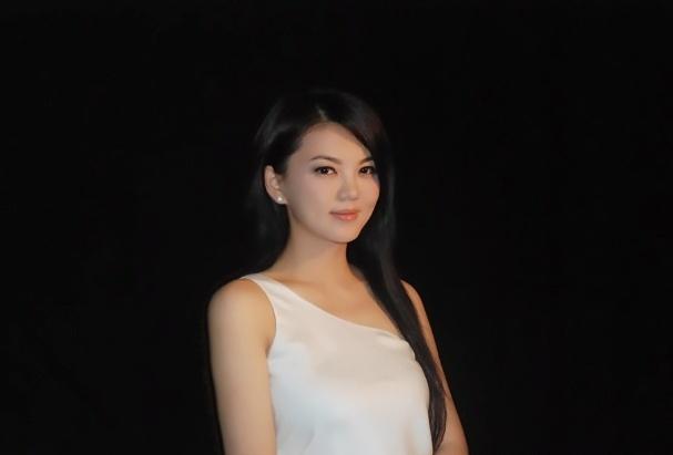 李湘的爱情:最好的婚姻是因为你 我成了更好的自己