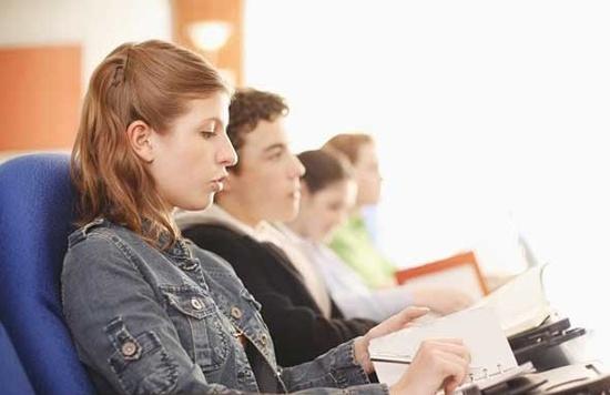 高价能带来高消费?法国留学生注册费上涨的背后