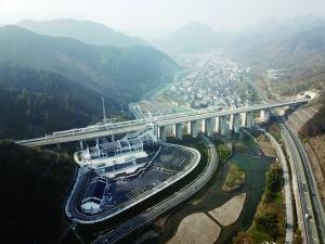 杭黄高铁今日将开通运营 沿线有7个5A级旅游景区