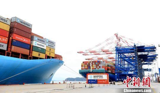 厦门港去年集装箱吞吐量预计突破1065万标箱