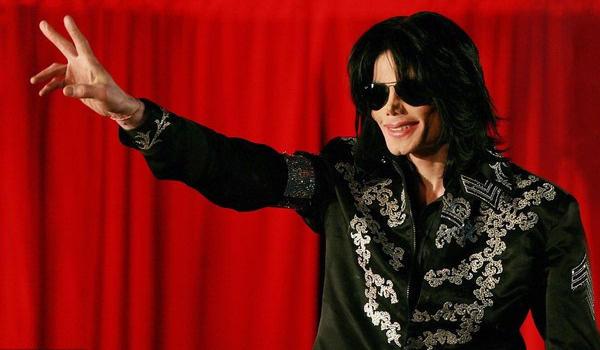 MJ恋童案当事人重提案情讲诉性骚扰过程 家属怒指消费死者