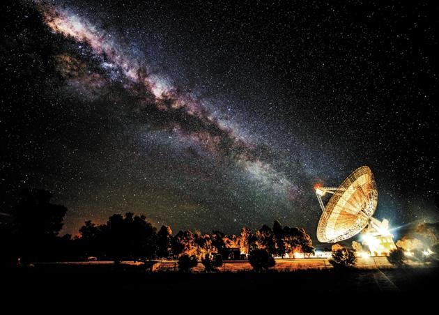 加拿大收到15亿光年外无线电信号,扯到外星人就耸人听闻了