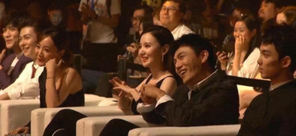 微博之夜:刘烨 自己带瓜子的男人,秦昊带薯片
