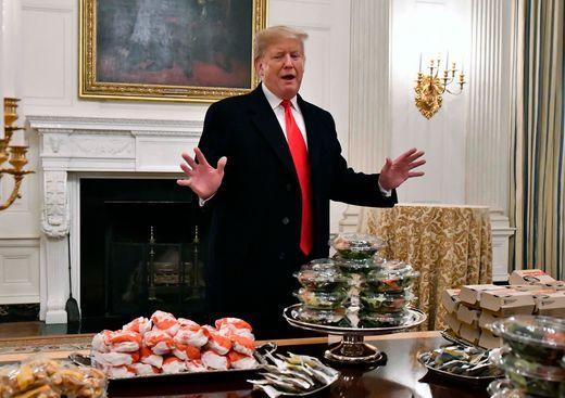 当局关门白宫没厨师 特朗普宴客人吃汉堡