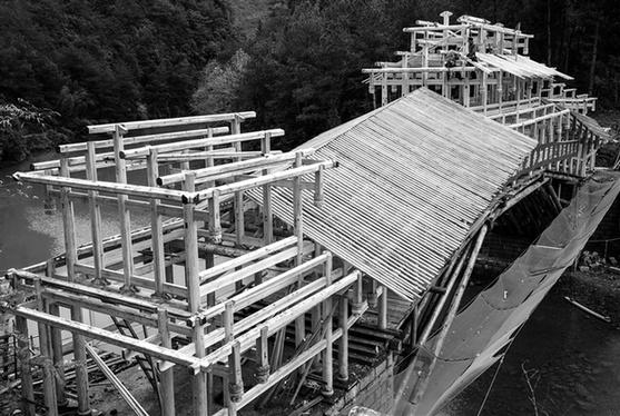 寿宁武溪:传统技艺营造廊桥 再现木工艺之美
