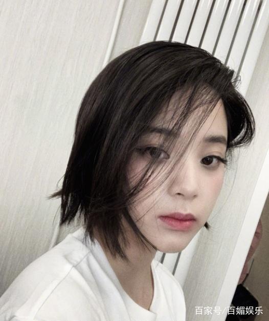 欧阳娜娜短发造型曝光冷艳网友 欧阳娜娜短发和长发哪个更悦目?