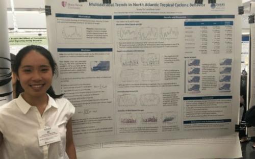 美国纽约两华裔高中生入围雷杰纳容科学奖半决赛