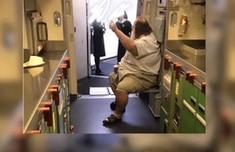 空姐遭白人乘客性骚扰