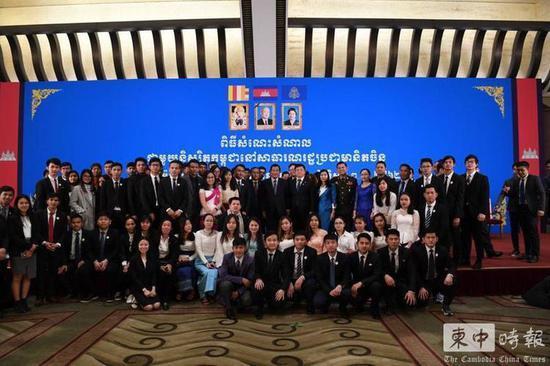 洪森呼吁柬埔寨在华留学生:要遵守中国的法律法律