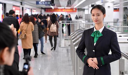 意彩娱乐地铁2号线空载试运转