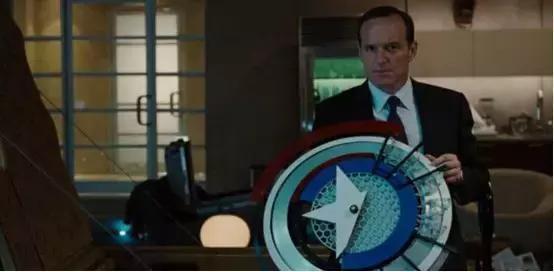 钢铁侠2这个隐藏彩蛋,或许暗示了复联4后的走向