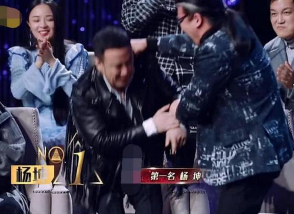 歌手2019杨坤逆袭从第六升至第一,谁注意到刘欢做了啥?细节见人品