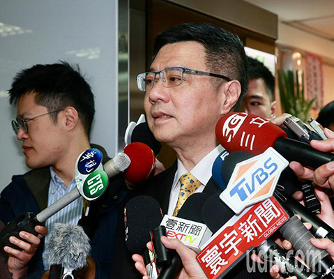 """民进党预谋推新""""决议文"""" 台学者:真是个选举党"""