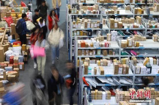 快递进入春节模式:多家快递企业加收10元服务费