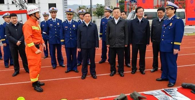 省委书记于伟国,省长唐登杰春节前亲切慰问福建消防救援队伍