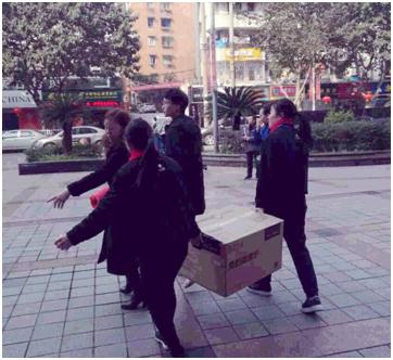 """苏宁易购""""春节不打烊?#20445;?#29992;心诠释""""好服务"""""""