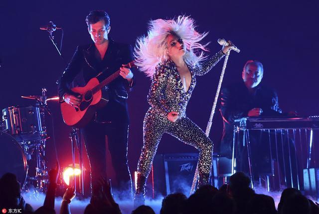 第61届格莱美获奖名单揭晓 Lady Gaga大丰收感动落泪