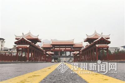漳州南靖:中山廊桥正式通车 建有40米游廊及观景平台