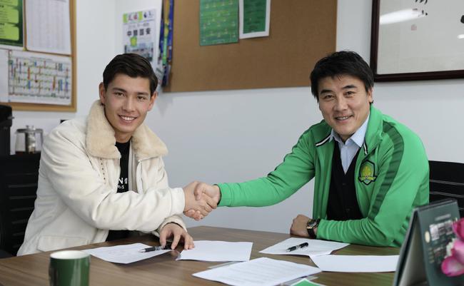 中国首位归化球员侯永永仅占用U21名额 申请中国护照后再注册