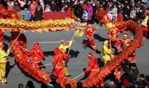 """甘肃敦煌传统民风扎堆""""春节档期"""" 促非遗掩护传承"""