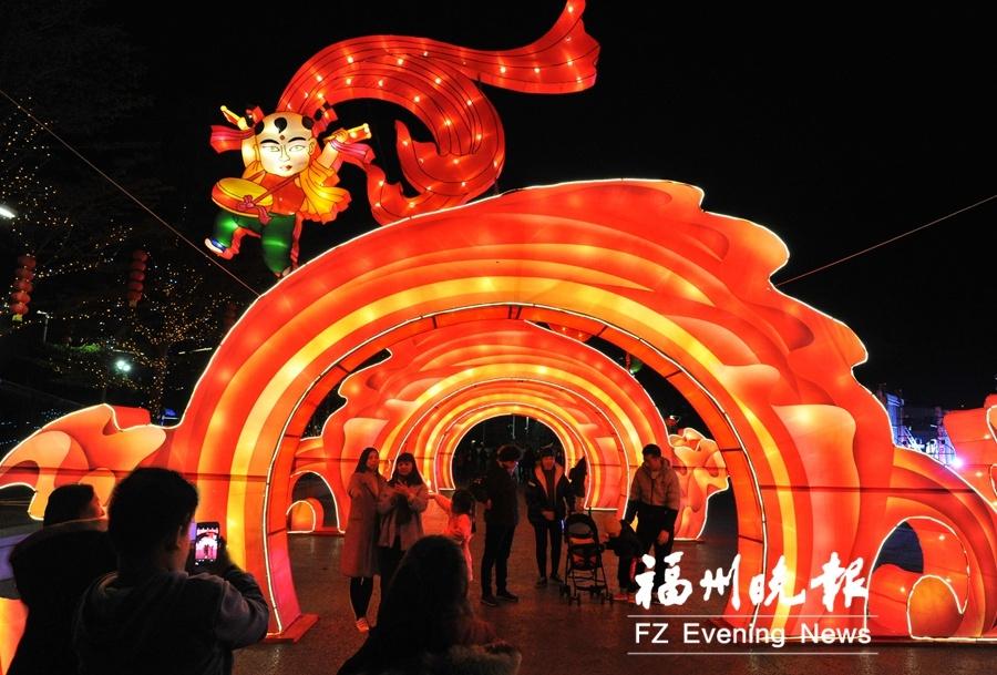 福州仓山元宵灯会今晚正式亮灯 沿湖面布置17个灯组