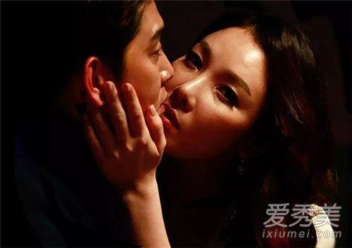 韩国三级模仿李小龙现实男女2.