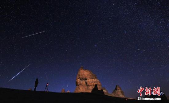 """紫金山天文台:金星""""牵手""""土星演绎""""星星相吸"""""""