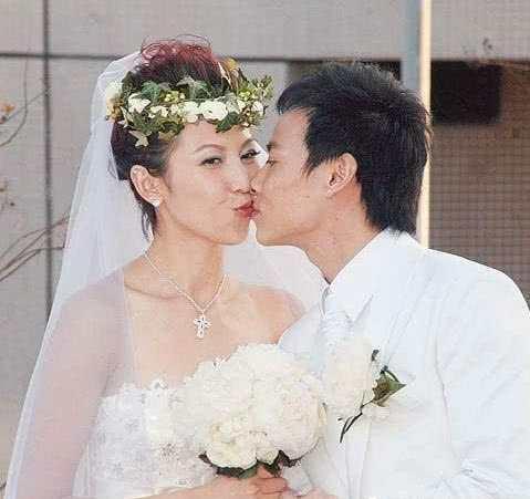 """最""""抠门""""的明星夫妻 婚礼花费只用了一万六"""
