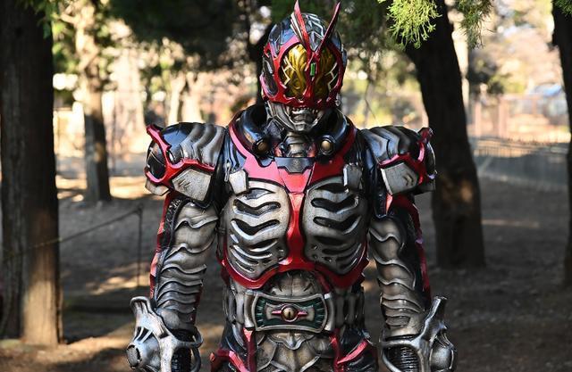 假面骑士zi-o25话:怪人时王登场 驾驭全骑士怪人的力量