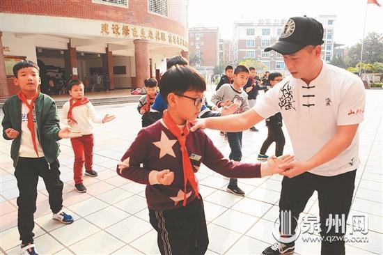 """泉州鲤城开展课后延时服务""""第一天"""" 孩子开心家长安心"""